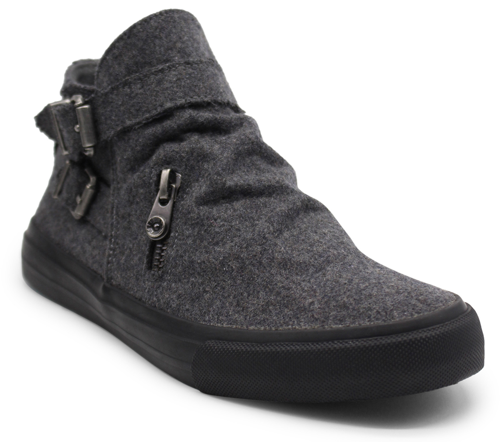 Mondo - Runched Womens Sneaker