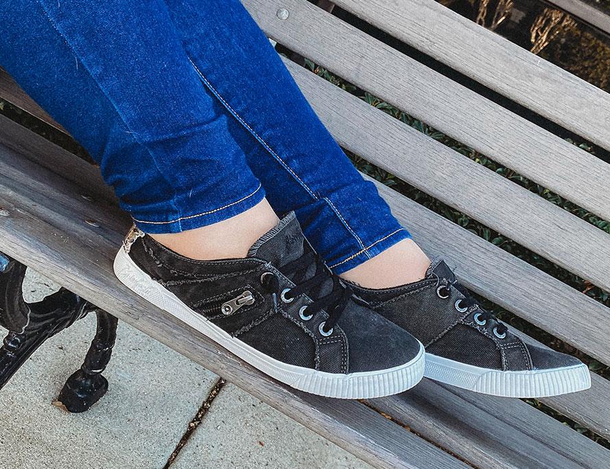 wide width sneaker