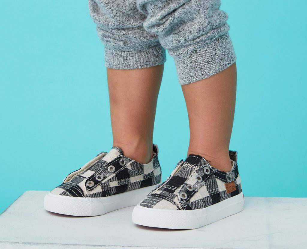 https://blowfishshoes.com/Toddlers