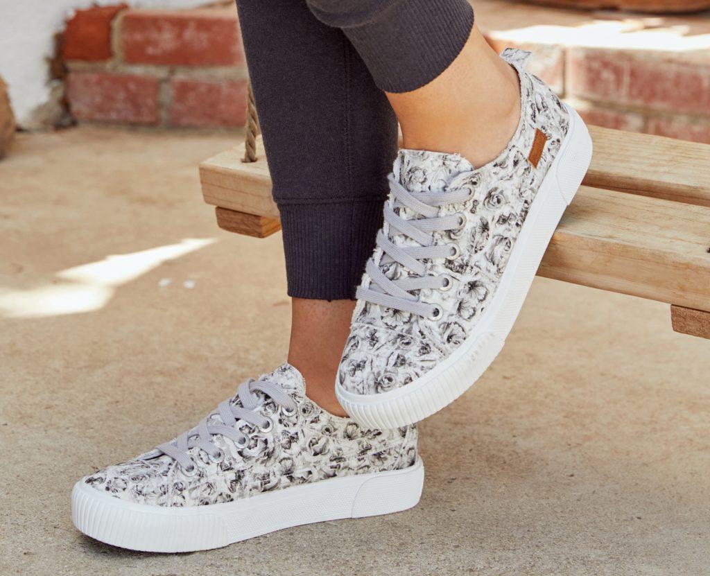 https://blowfishshoes.com/Sneakers